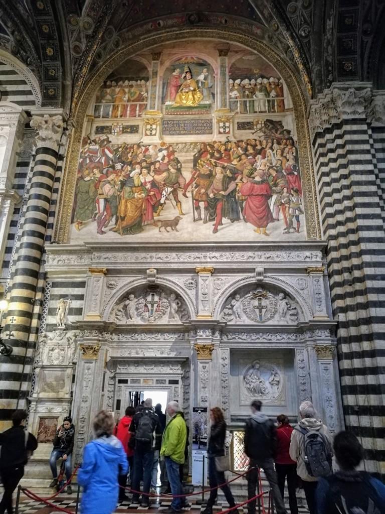 Экскурсии по Сиенскому собору, Италия