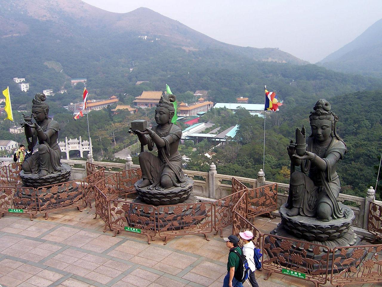 Большой Будда на острове Лантау, вид на окрестности