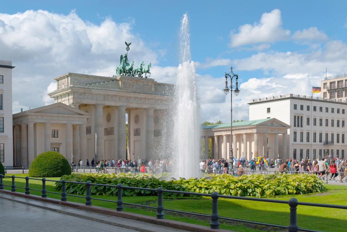 Бранденбургские ворота весной, Берлин
