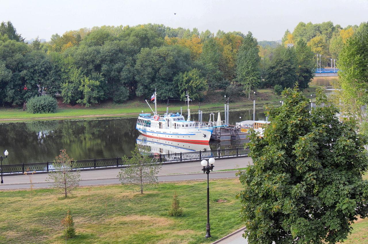 Парк на Даманском острове в Ярославле