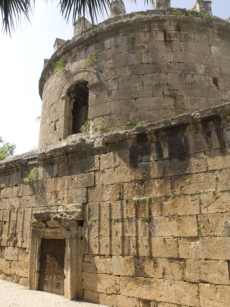 Башня Хыдырлык, вход