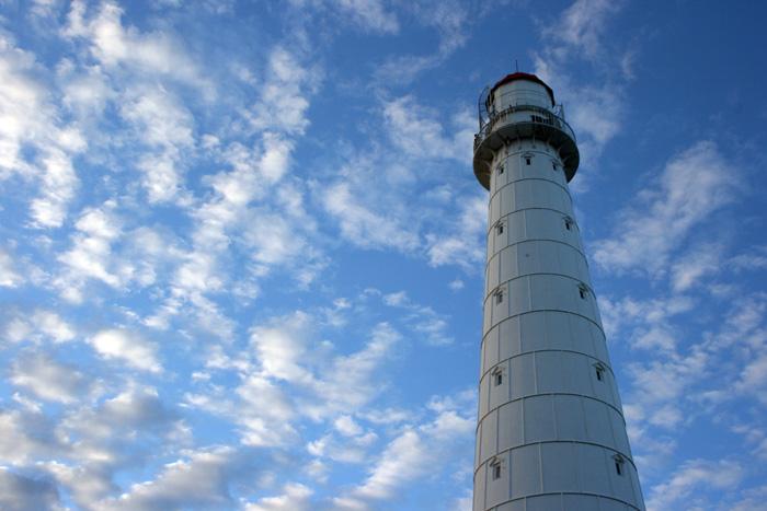 Вид на маяк Тахкуна, остров Хийумаа.jpg