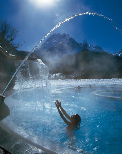 Оздоровительный открытый бассейн, Скуоль.jpeg