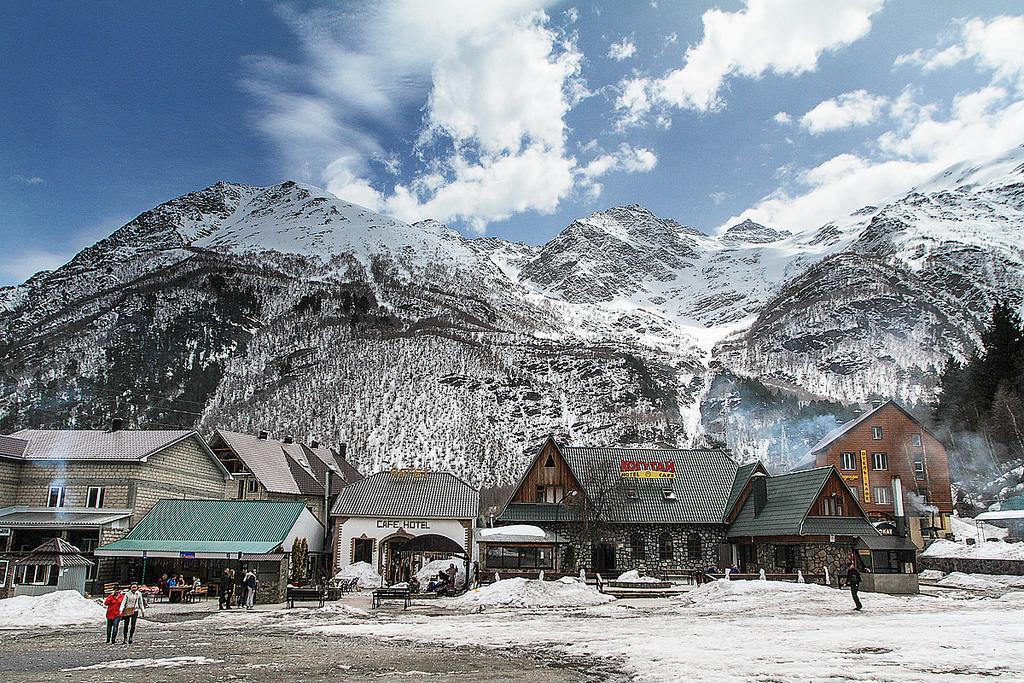 Туристическая инфраструктура, Гора Эльбрус