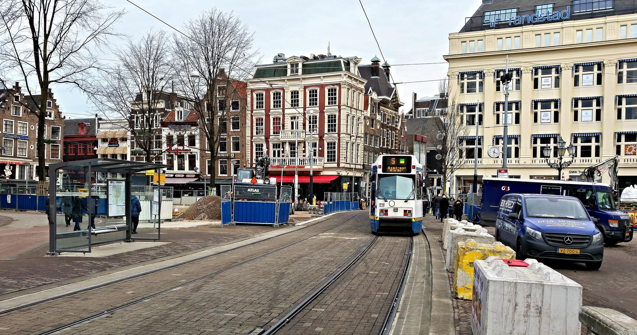 Трамвай на площади Лейдсеплейн, Амстердам