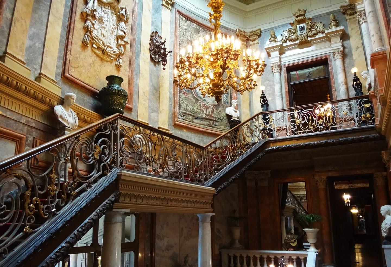 Музей Серральбо в Мадриде, лестница