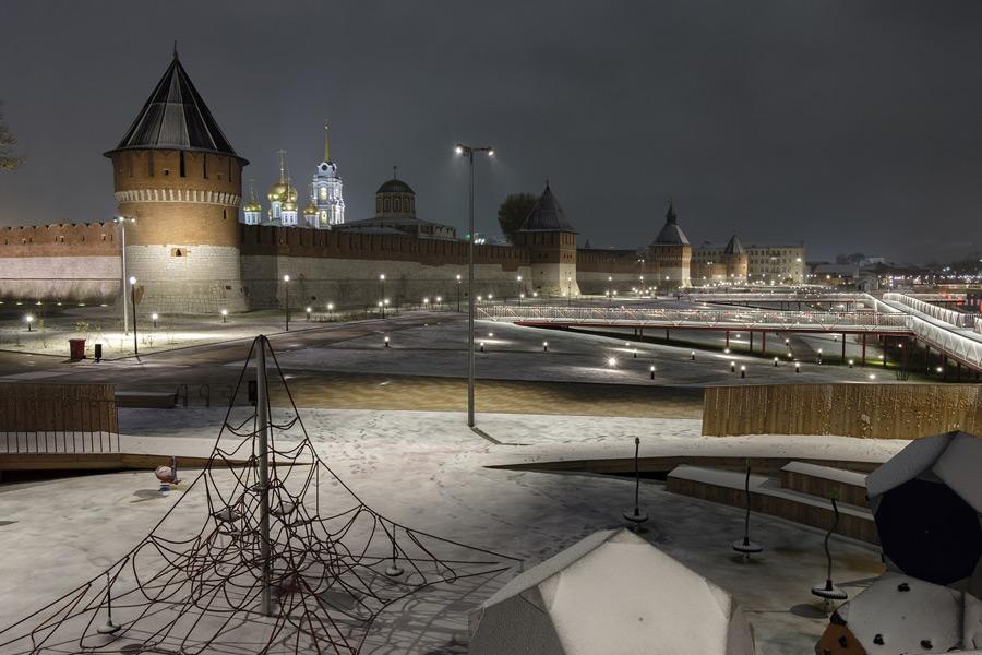 Казанская набережная в Туле зимой