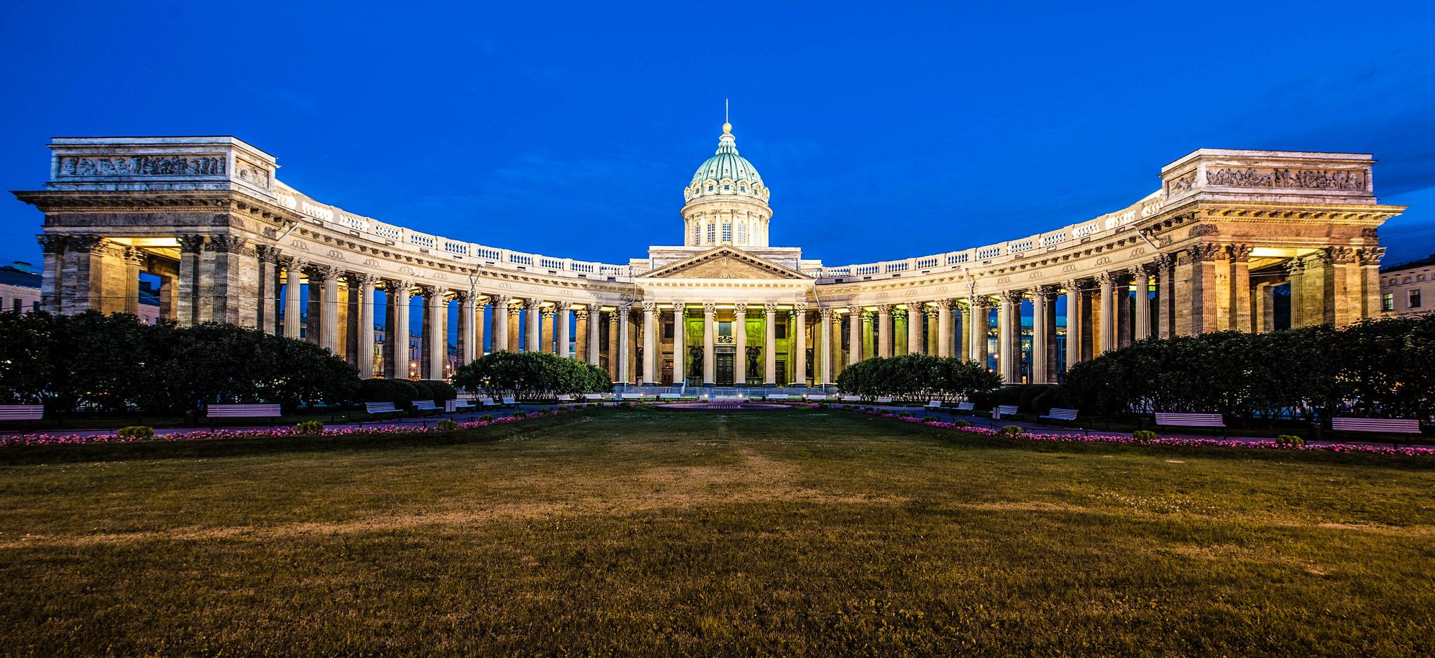 Панорама Казанского собора в Петербурге
