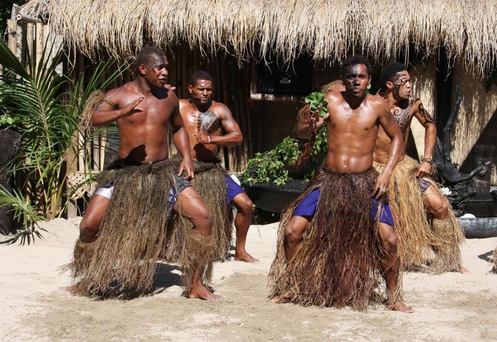 Традиционные танцы Meke на Фиджи