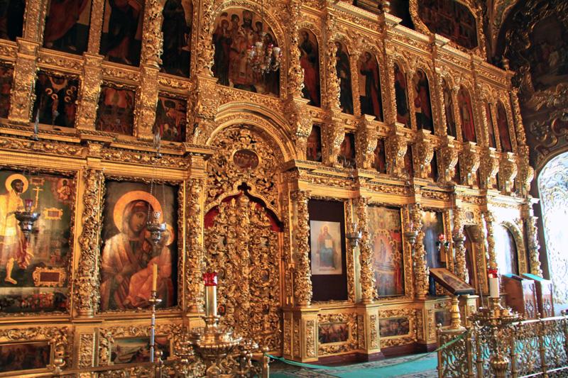 Алтарь в храме Троице-Сергиевой лавры, Сергиев Посад, Россия