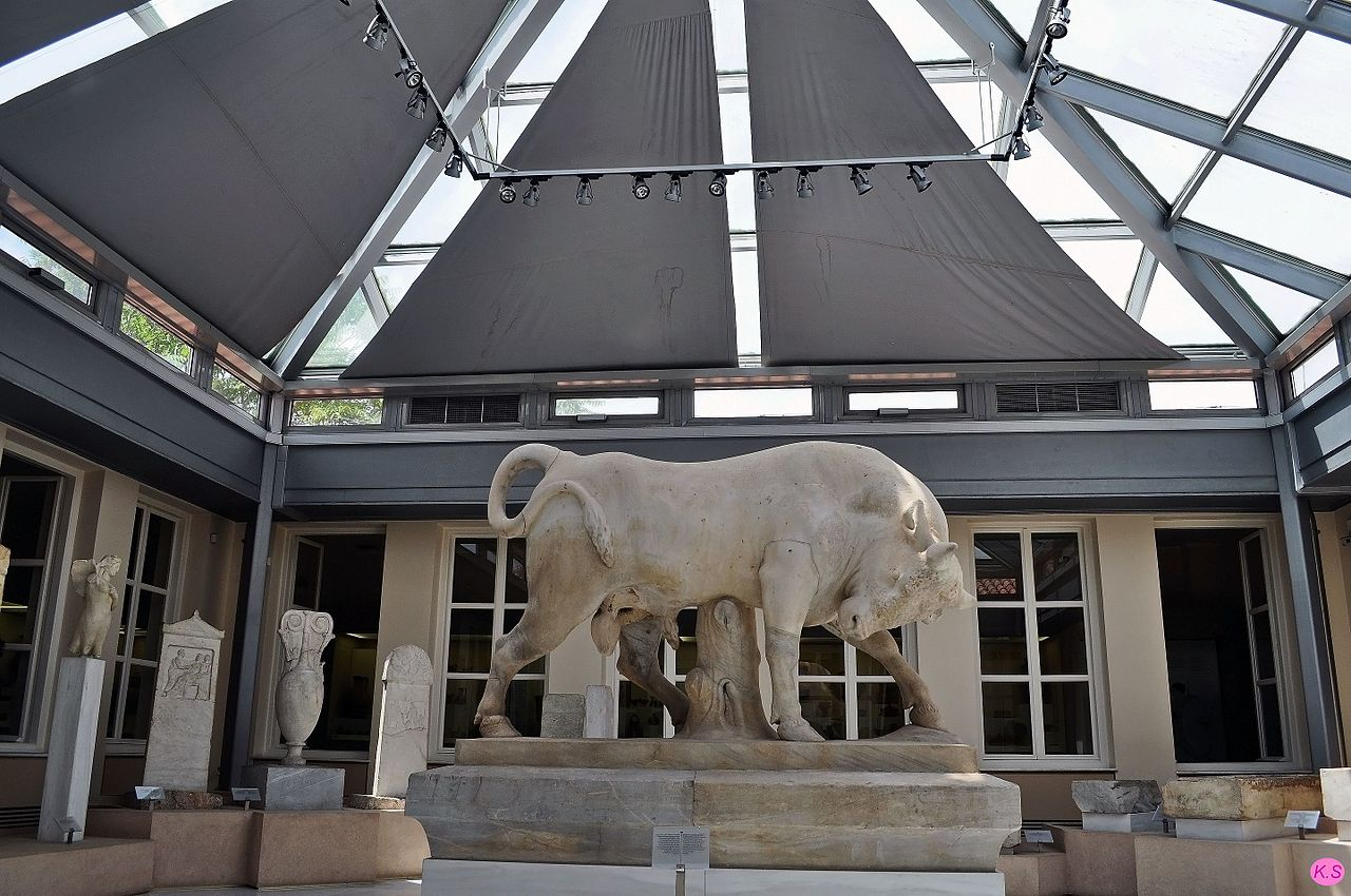 Археологический музей Керамика, Разгневанный бык