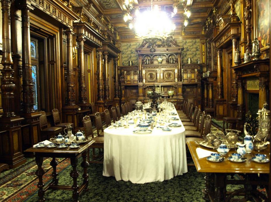 Дворец Пелеш, обеденный зал