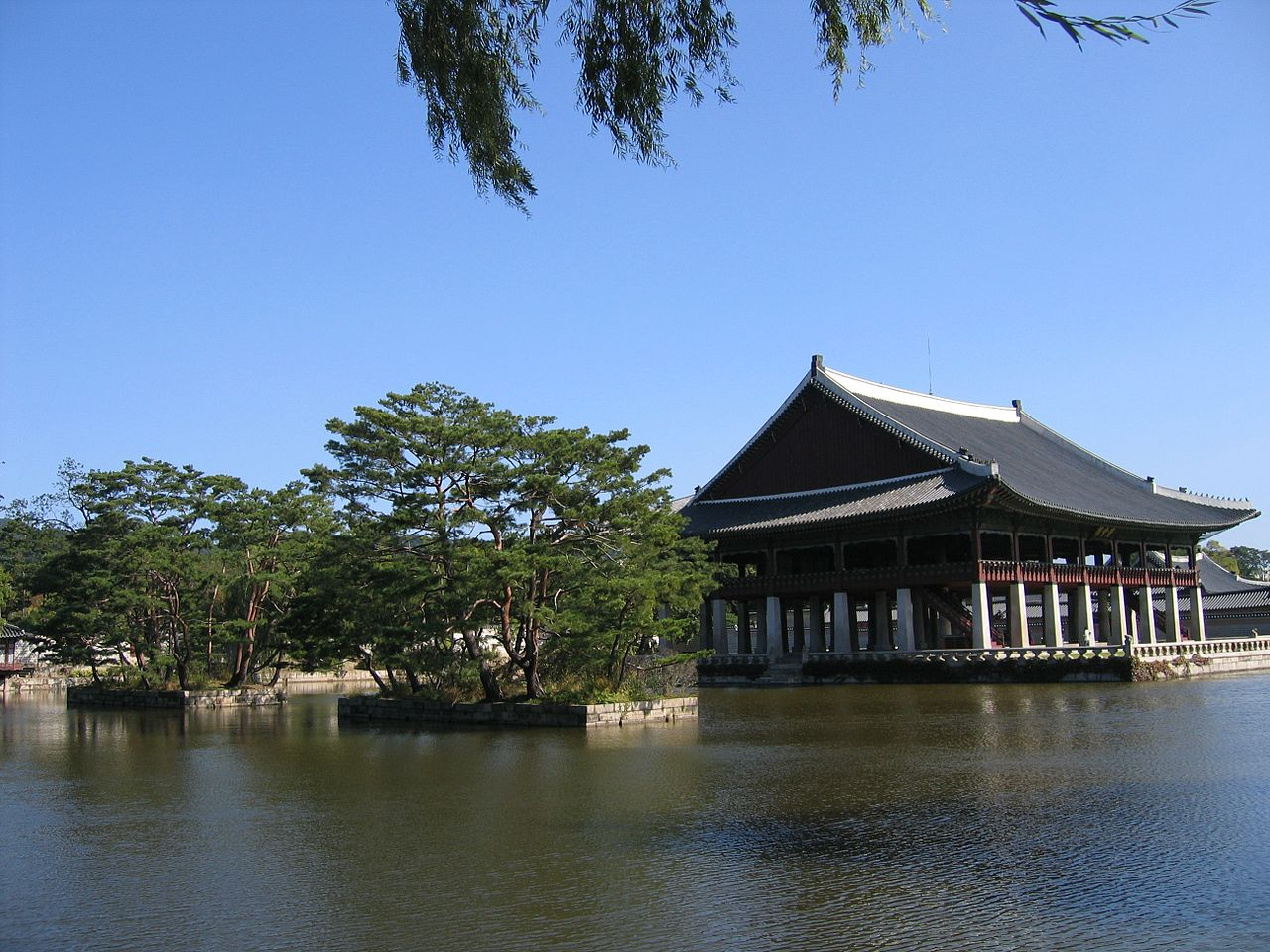 Дворец Кёнбоккун, павильон Кёнхверу