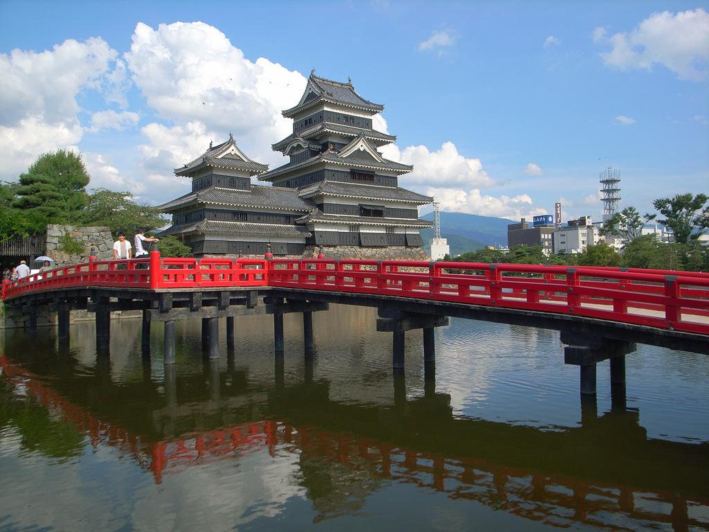 Вид на замок Мацумото