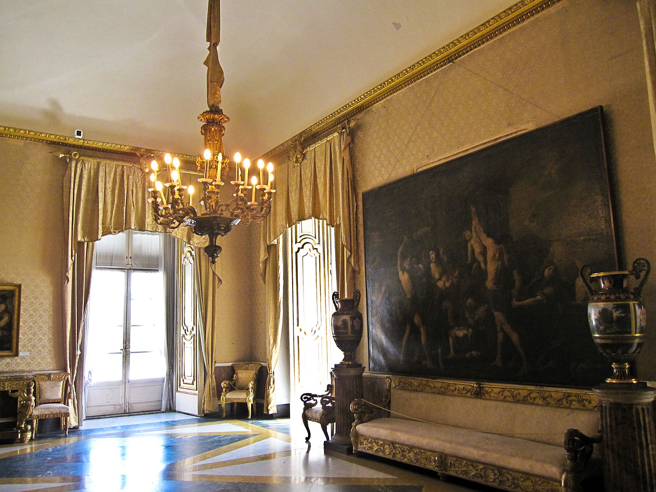 Королевский дворец в Неаполе, интерьер