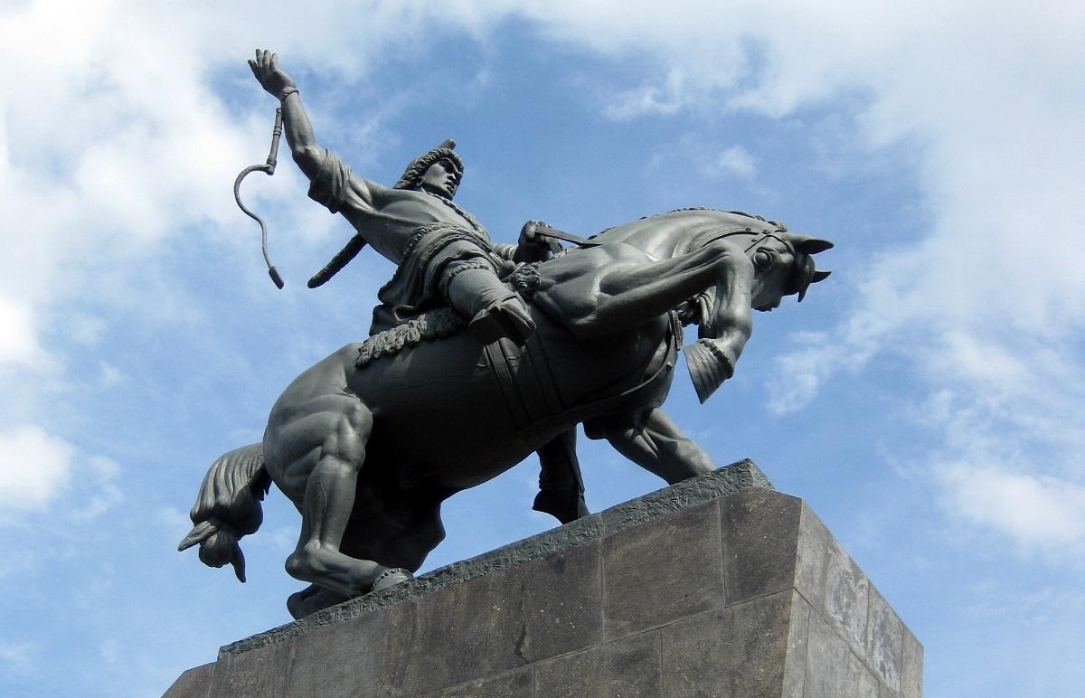 Где находится памятник салавату юлаеву в уфе изделия из гранита памятники новосибирск