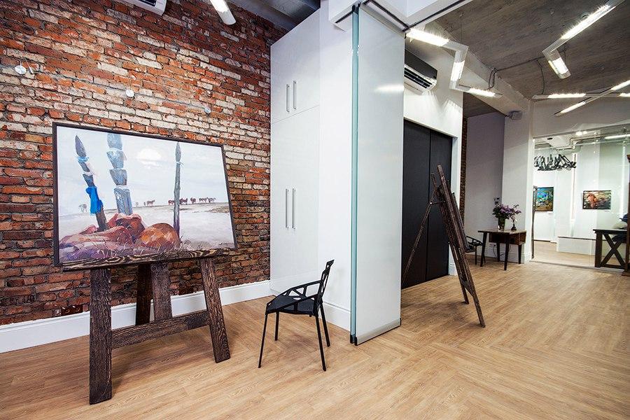 Залы галереи современного искусства Виктора Бронштейна