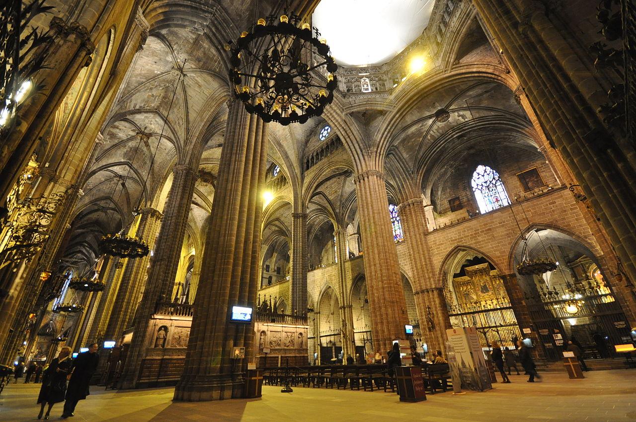 Кафедральный собор Барселоны, интерьер