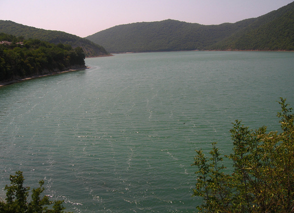 Красивейшее горное озеро Абрау