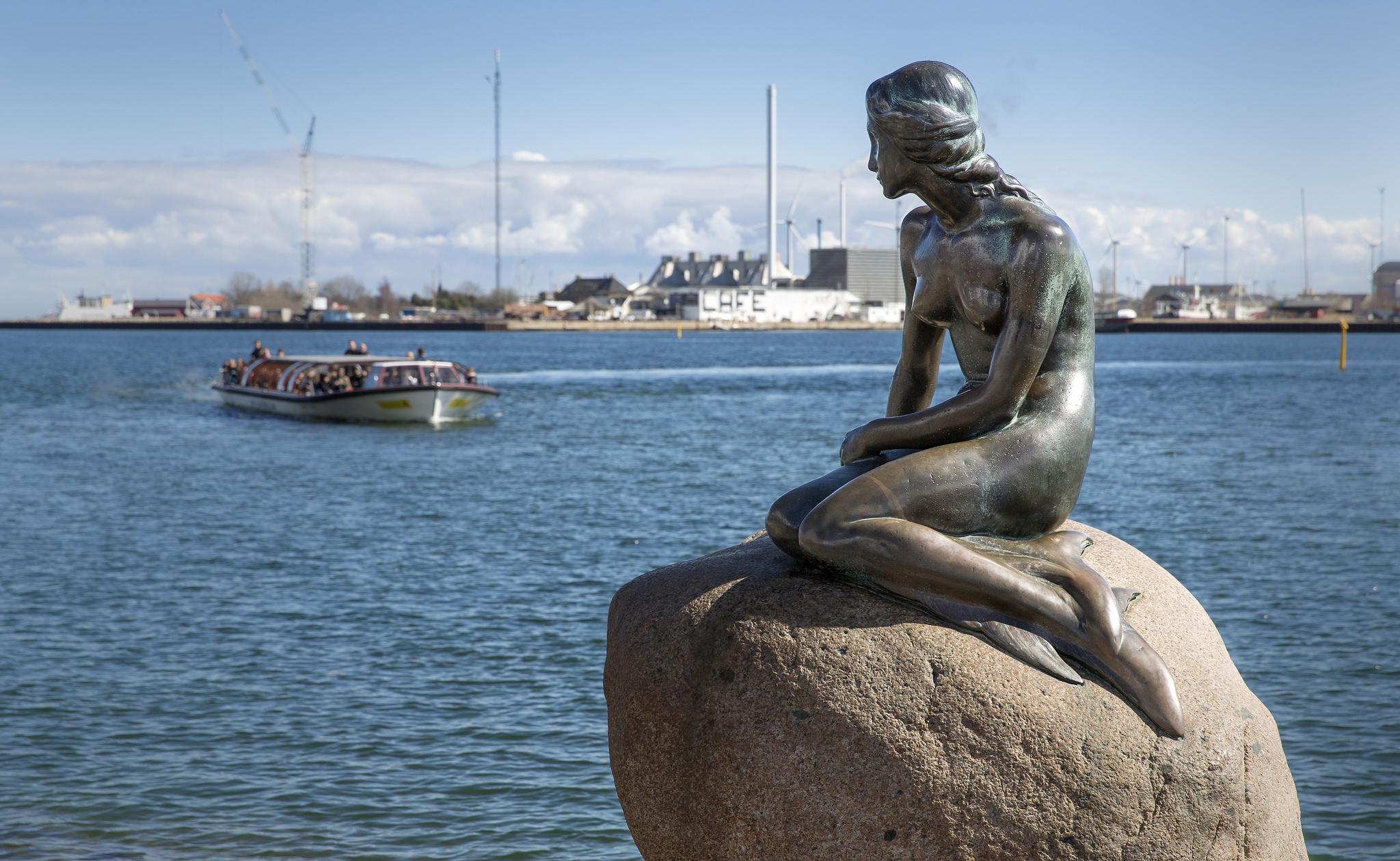 Картинки по запросу Русалочка Дания