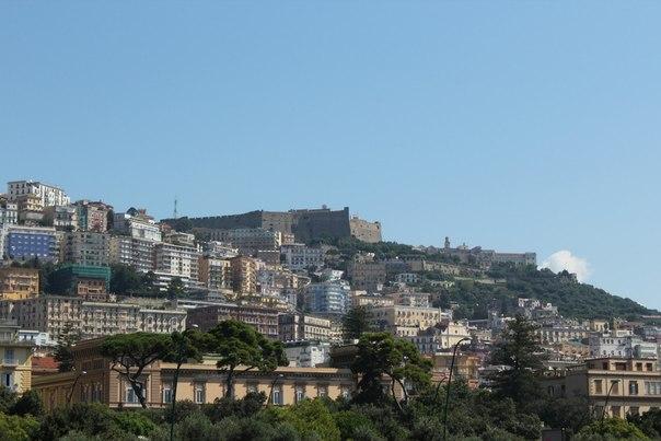 Вид на центральную возвышенность, Неаполь.jpg