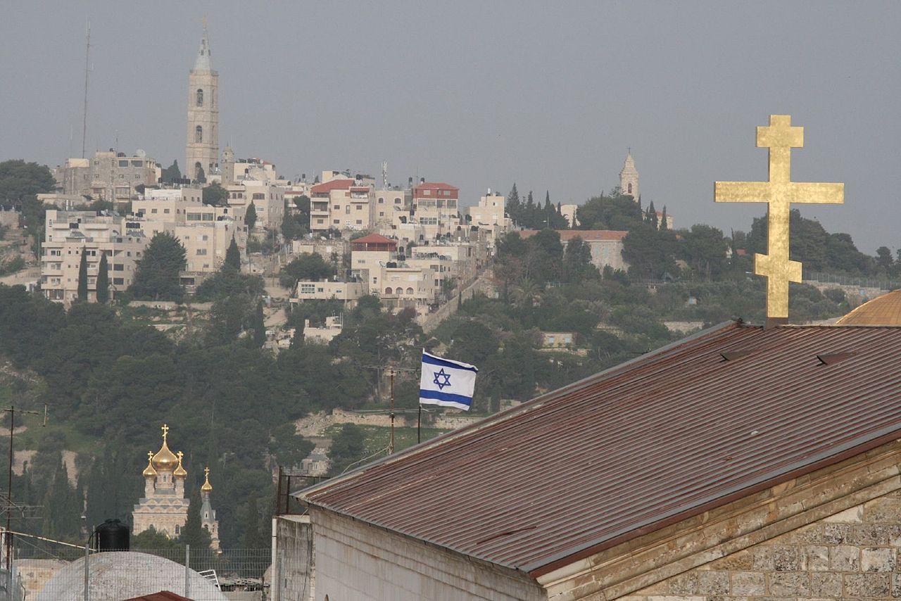 Крыша русского Александровского подворья в Старом городе Иерусалима