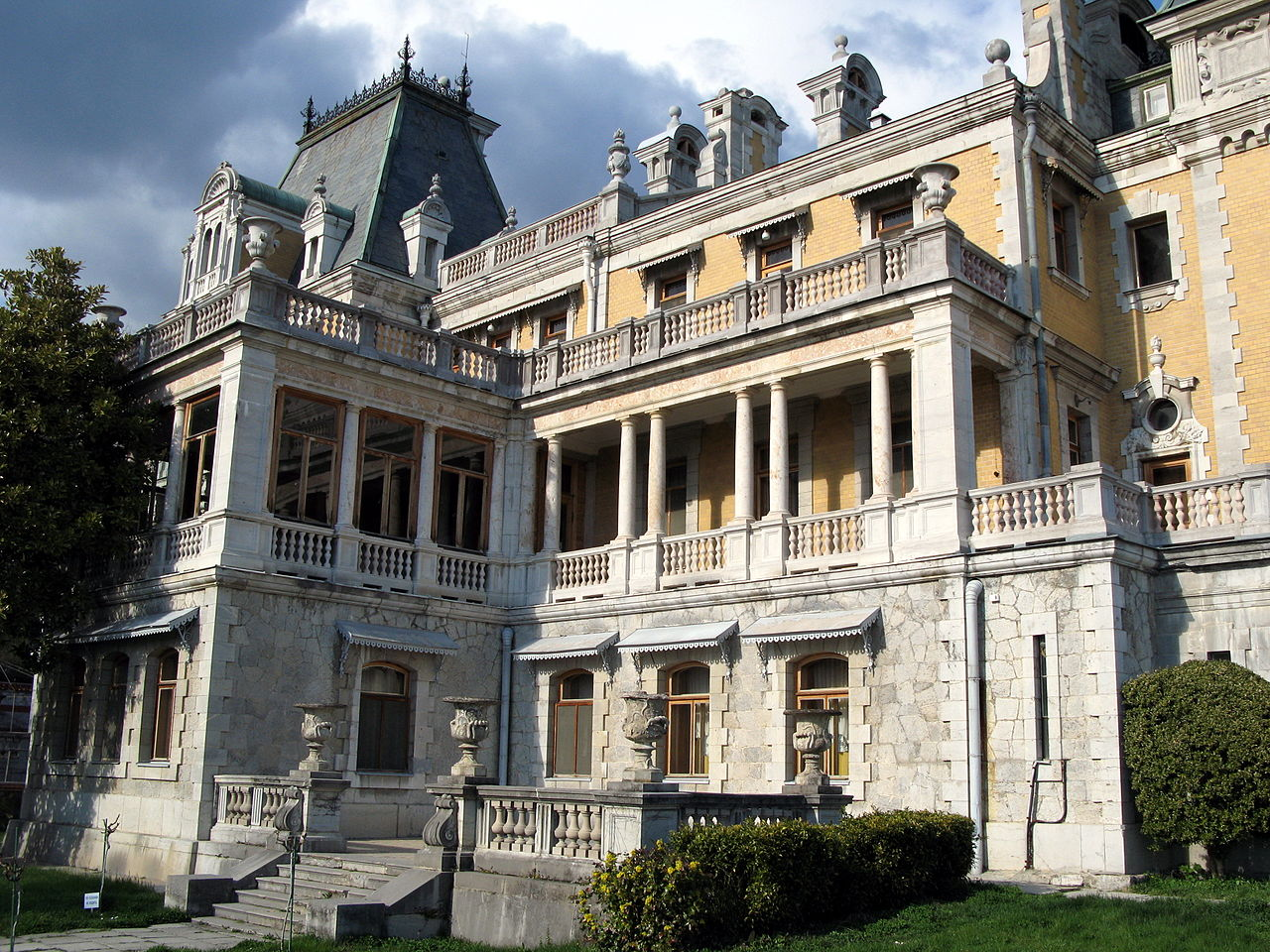 Массандровский дворец, крыльцо