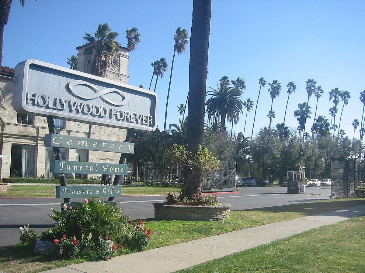 Кладбище Hollywood Forever