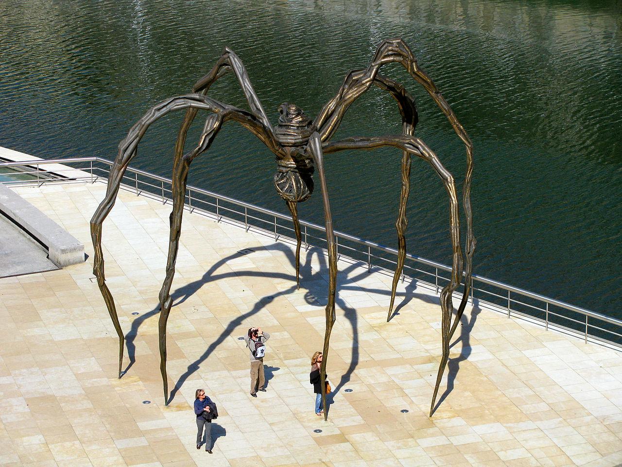 Музей Гуггенхайма в Бильбао, скульптура паука