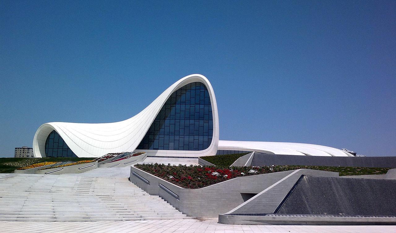 Центр Гейдара Алиева в Баку