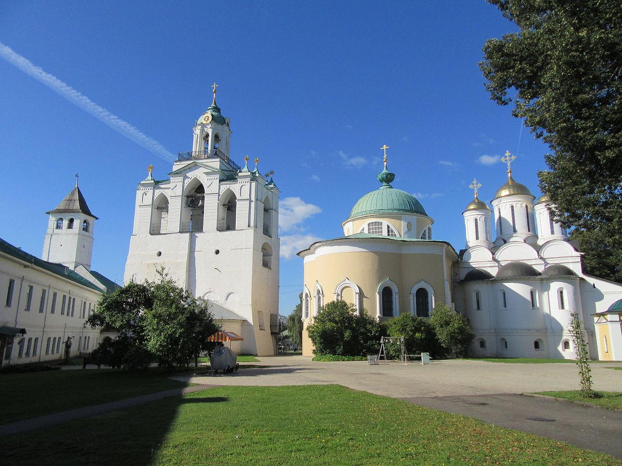 Спасо-Преображенский монастырь, двор