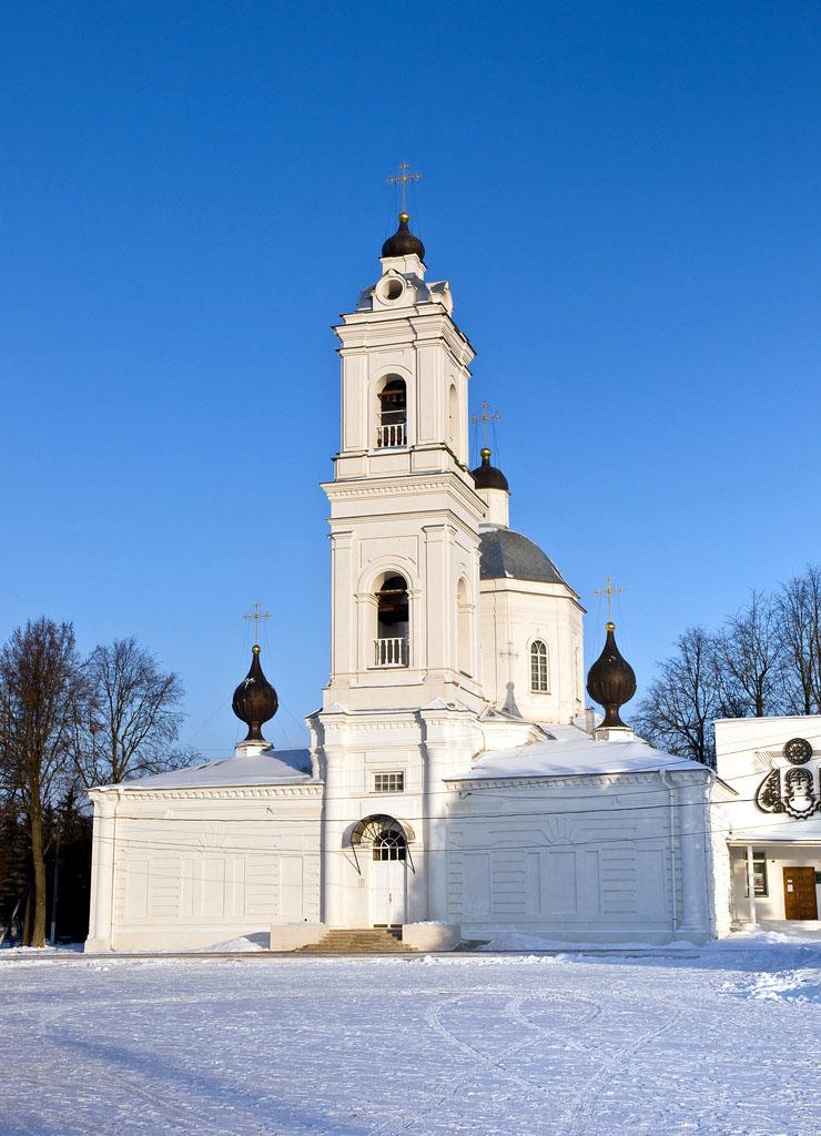 Собор Петра и Павла в Тарусе, 1785 года постройки