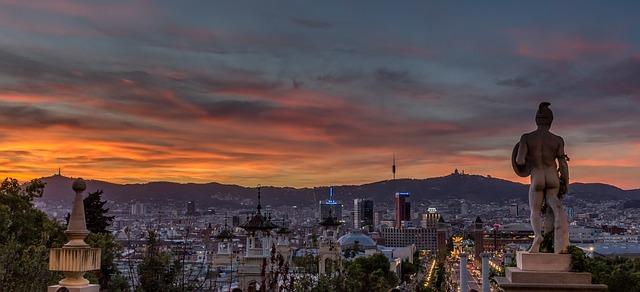 В Барселоне хотят повысить туристический налог.jpg