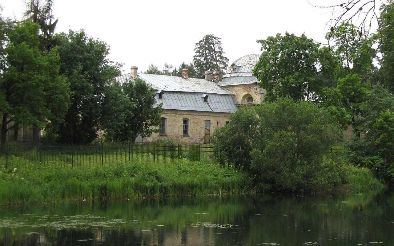 Главный корпус Фермы в парке Сильвия (Гатчина)