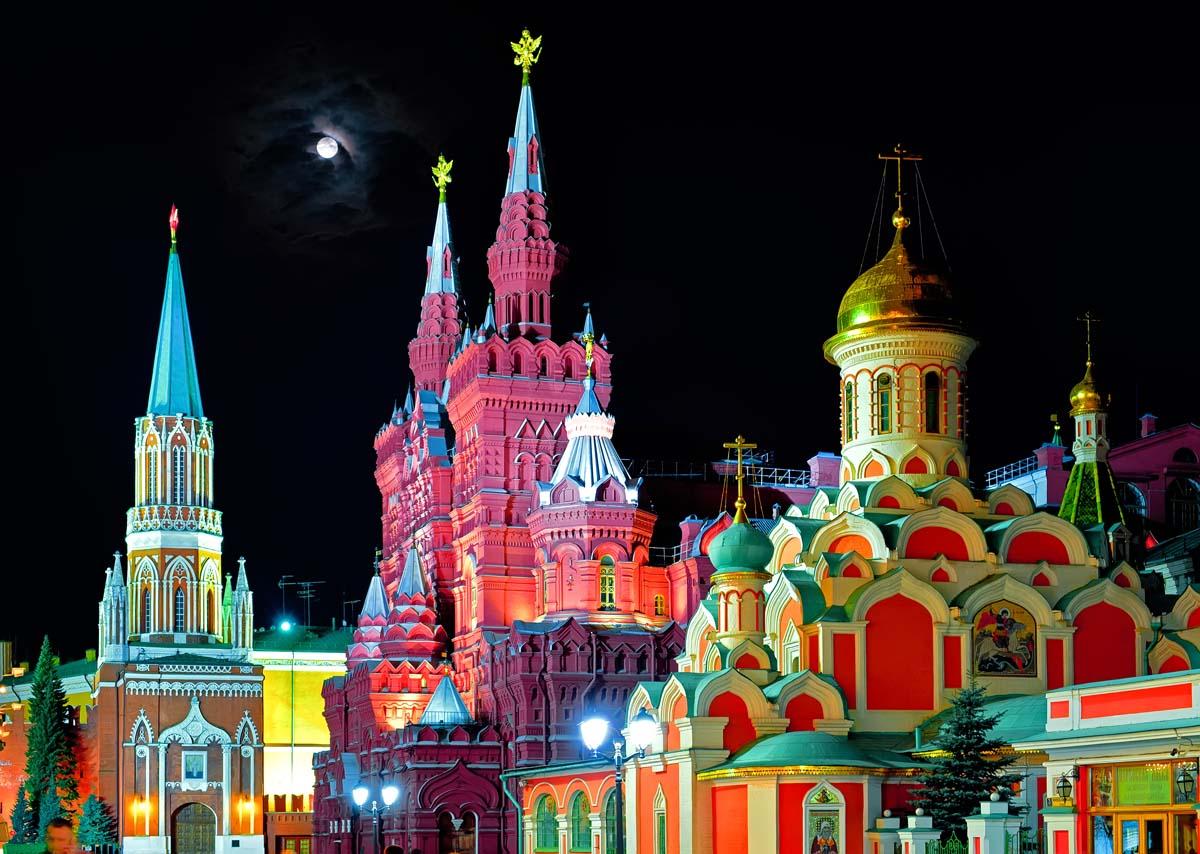 Московский кремль в ночном освещении