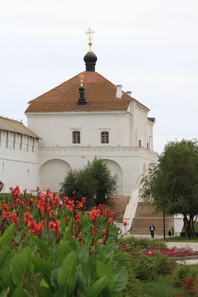 Астраханский кремль, Никольская надвратная церковь