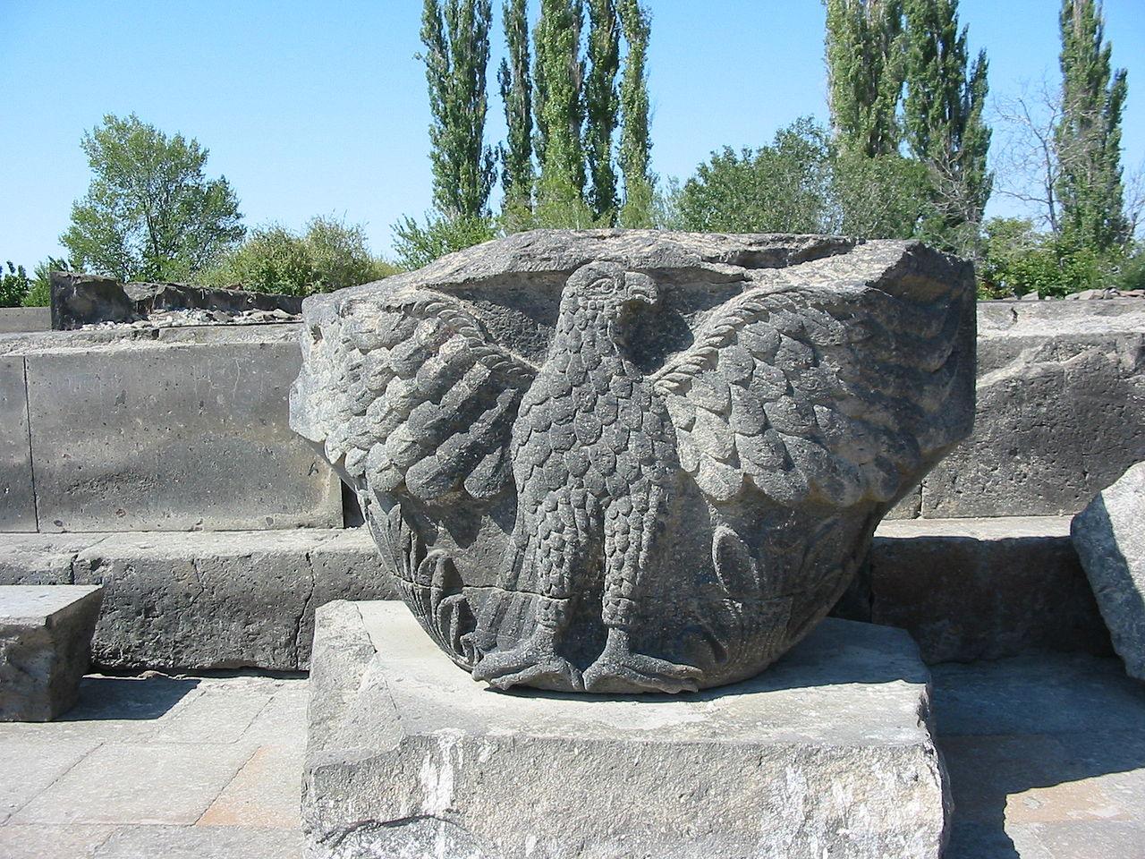 Храм Звартноц, капитель колонны