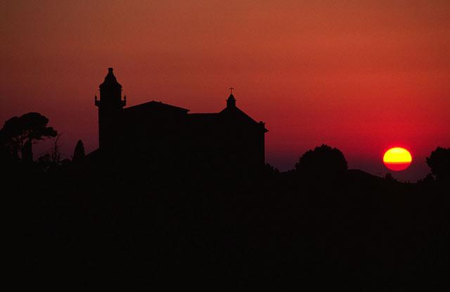 Закат над аббатством, Майорка.jpg
