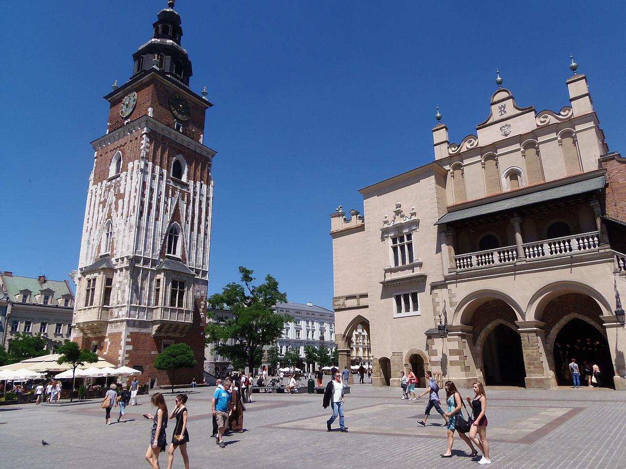 Рыночная площадь Кракова, ратушная башня