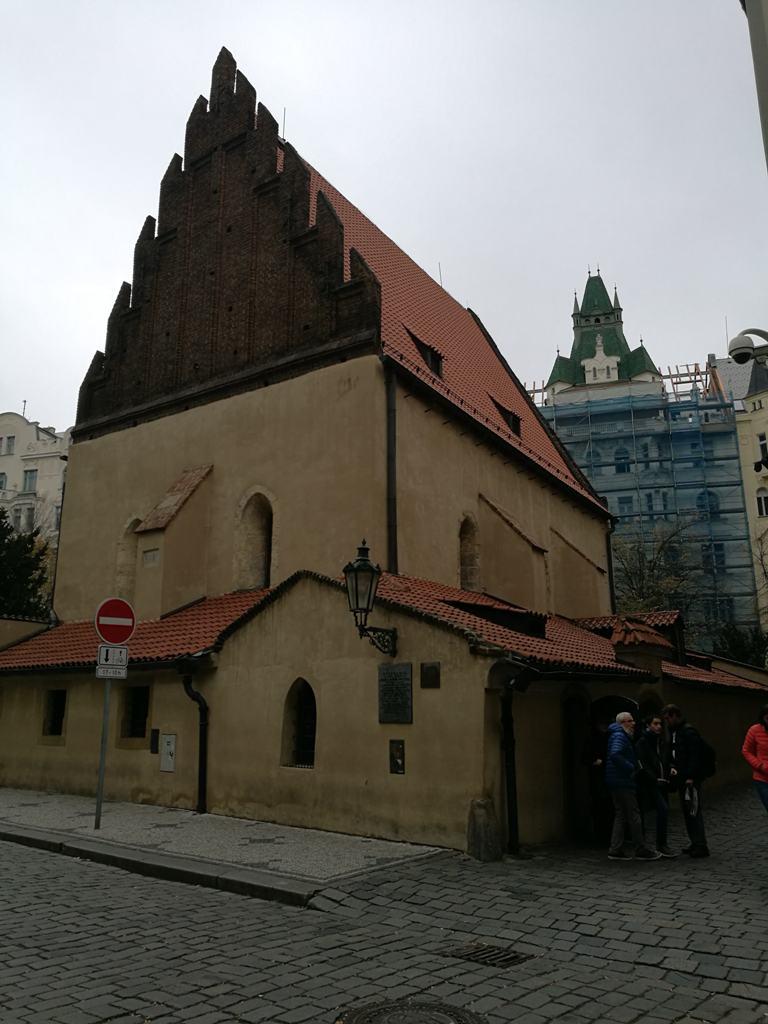 Самая старая синагога в Праге