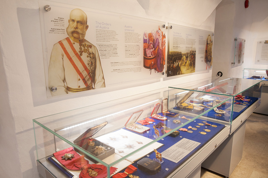 В Таллинском музее рыцарских орденов