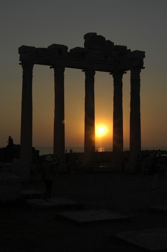 Закат солнца в Сиде.jpg