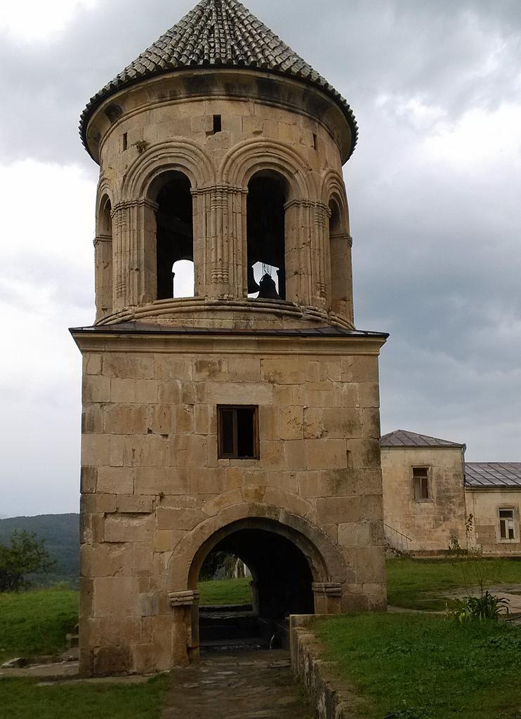 Колокольня, Гелатский монастырь, Гелати