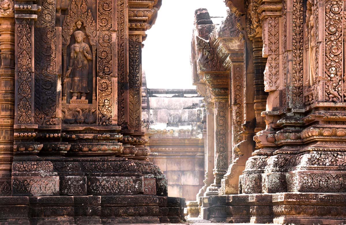 Стены храма Бантрей-Срей, Ангкор, Камбоджа