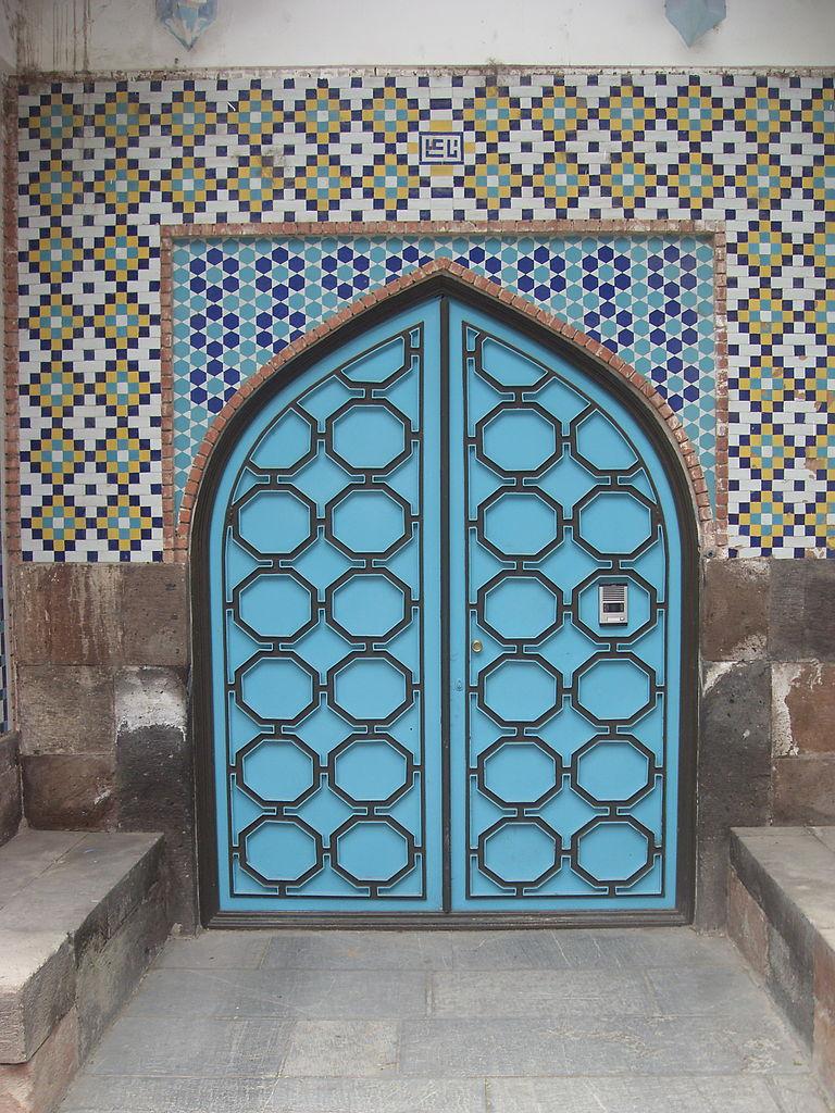 Голубая мечеть в Ереване, вход