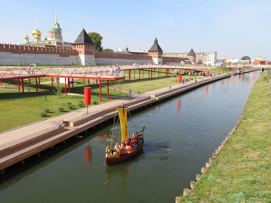 Казанская набережная в Туле летом