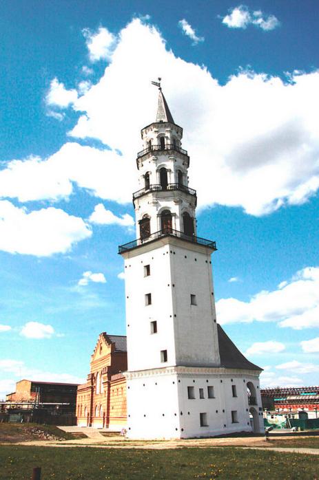 Вид Невьянской башни