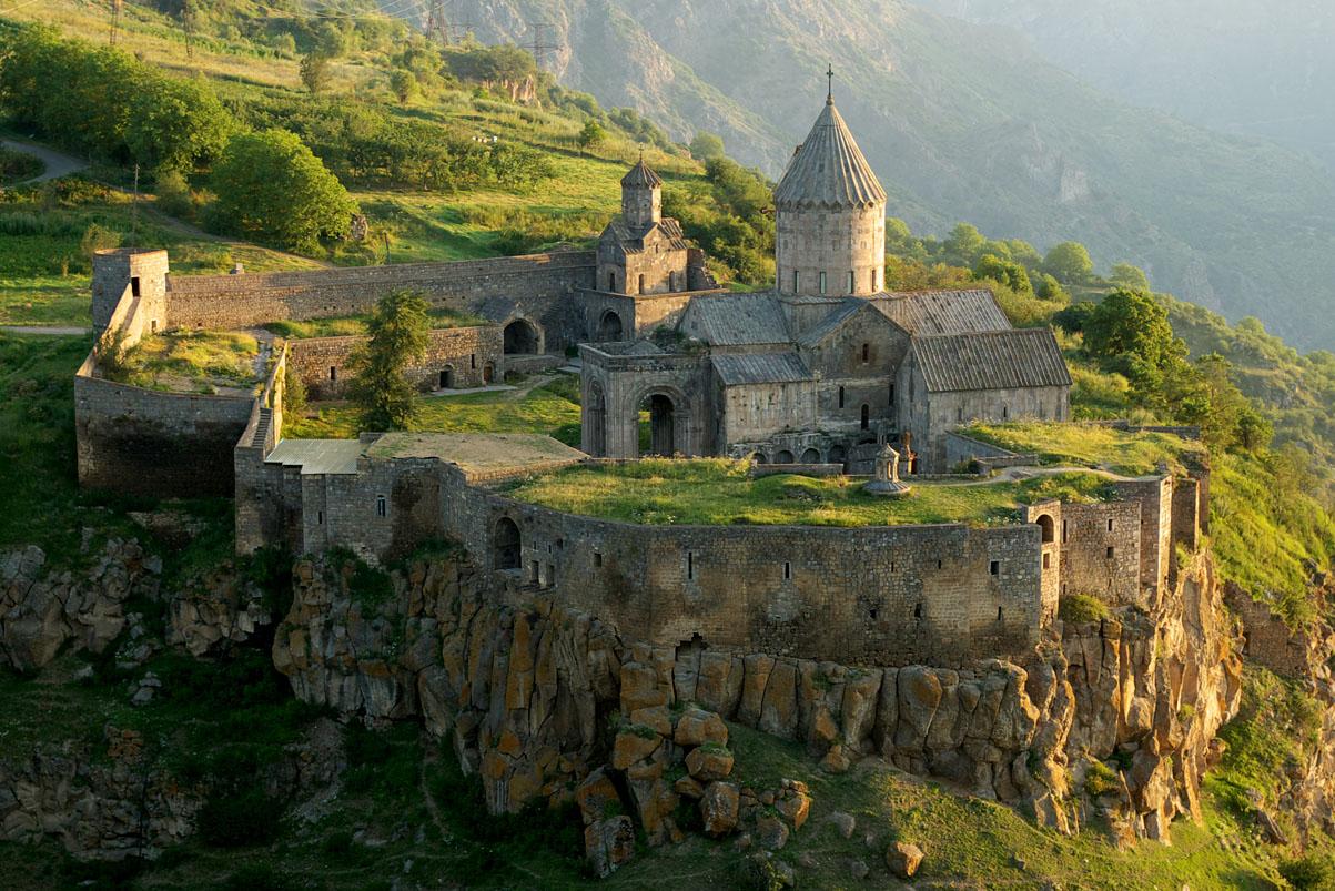 Монастырь Татев с высоты птичьего полета