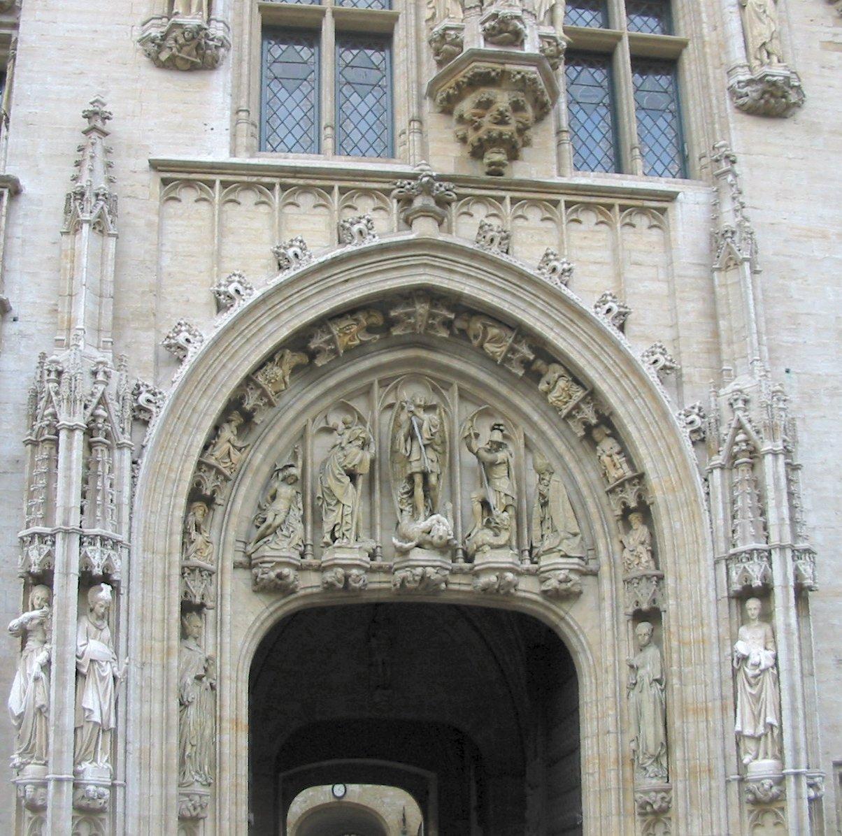 Ратуша в Брюсселе, портал