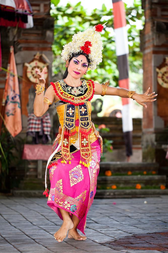 Танцовщица на Бали.jpg